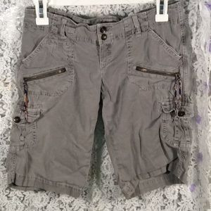 American Eagle olive green cargo shorts